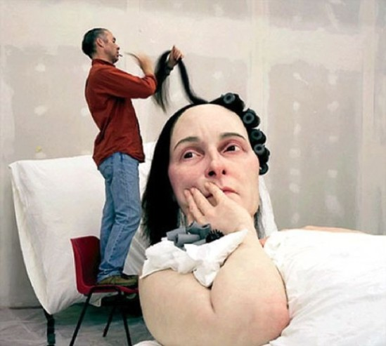 Ron-Mueck-In-Bed-2005-4-575x517