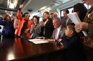 Mayor de Blasio signs Paid Sick Leave Law